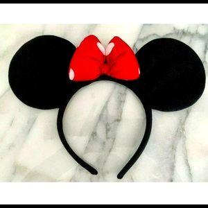 Disney Minnie Ears Plush Headband Black w/red Bow